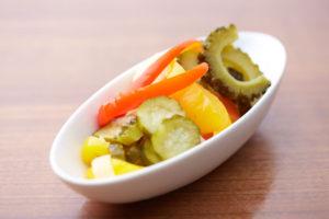 ゴーヤーと彩り野菜のピクルス