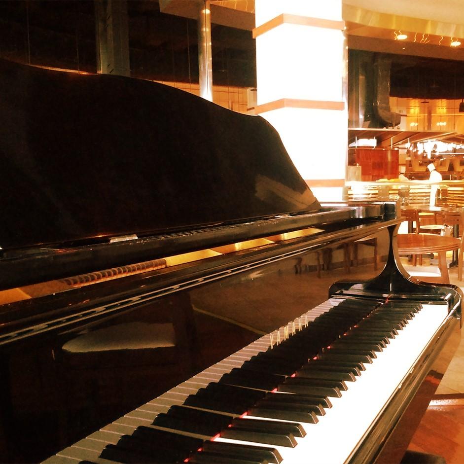 ピアノ生演奏