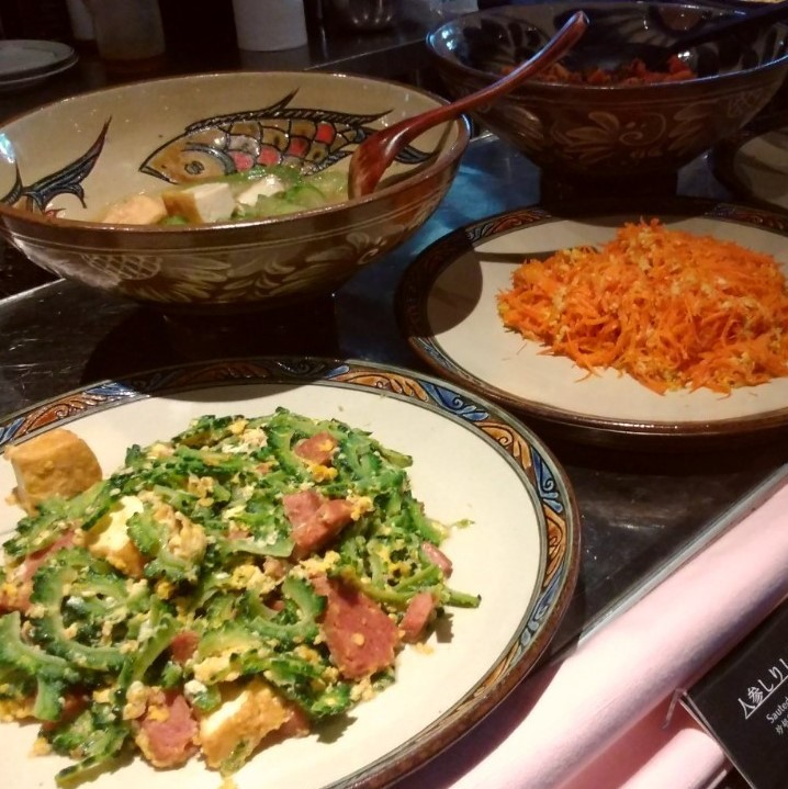 ランチビュッフェ沖縄料理